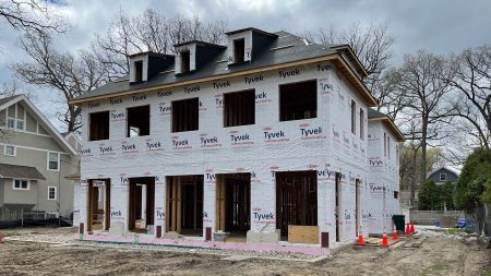Roof system installation begins on SMART Builders, Inc. Wilmette New Construction